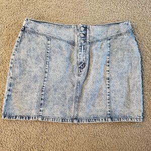 Forever 21 NWT Jean skirt size 3z